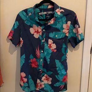Button down Hawaiian print shirt. Size small.